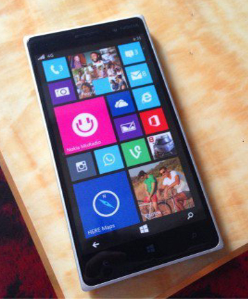 Nokia Lumia 830 Yellow (2)