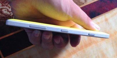 Nokia Lumia 830 Yellow (3)