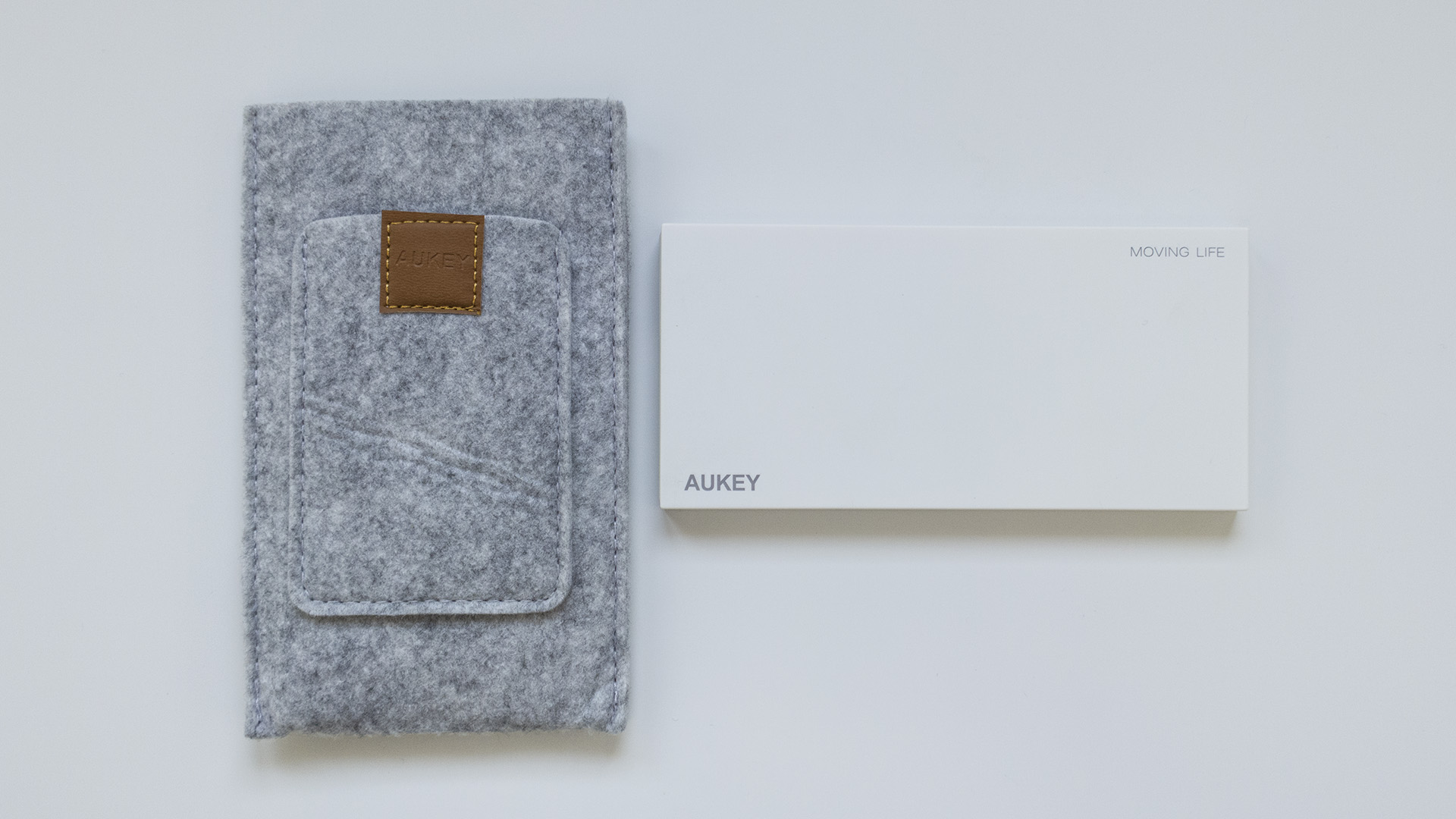 Aukey 8000mAh Caricabatterie Portatile (1)