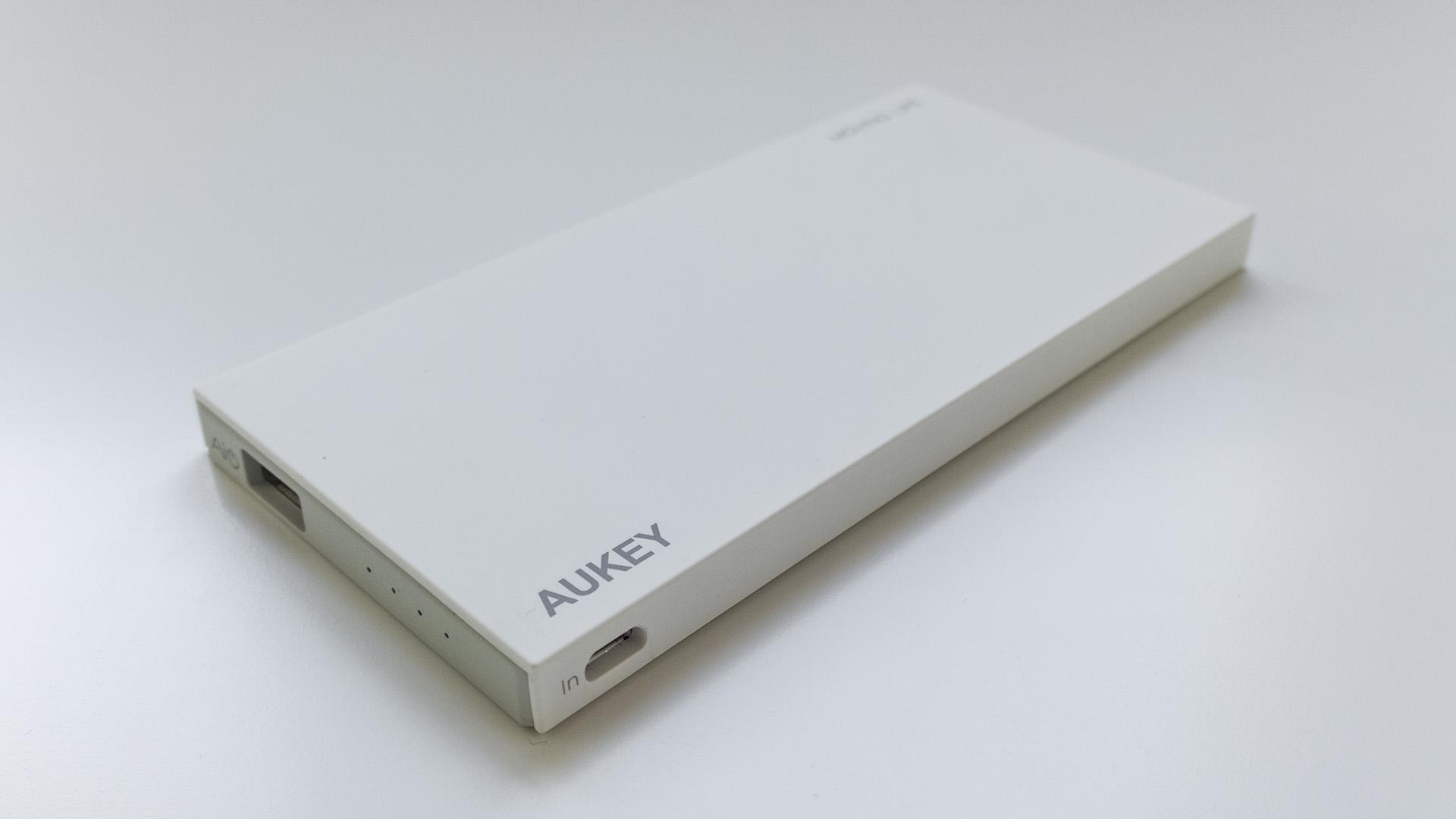 Aukey 8000mAh Caricabatterie Portatile (2)