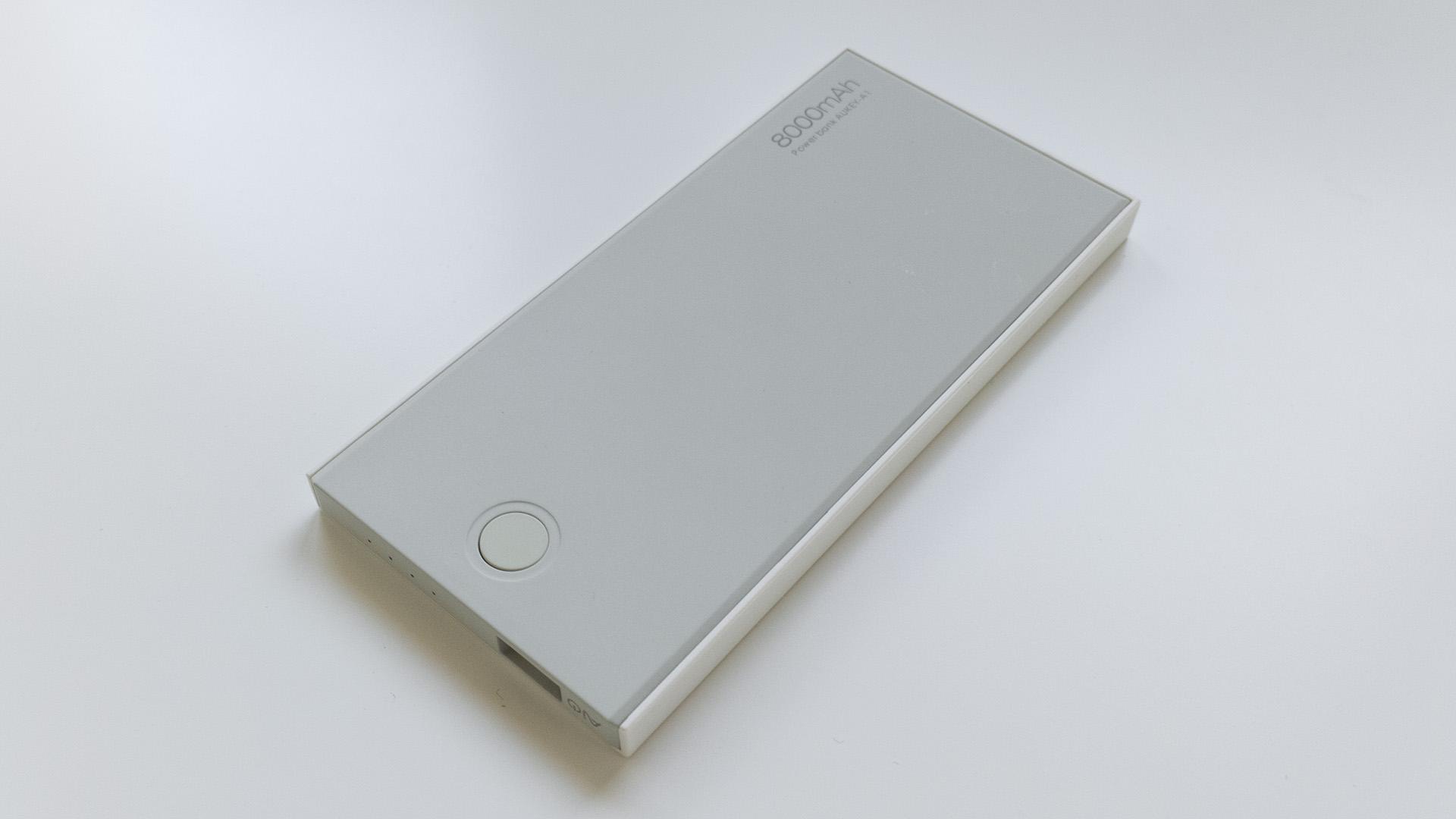 Aukey 8000mAh Caricabatterie Portatile (3)