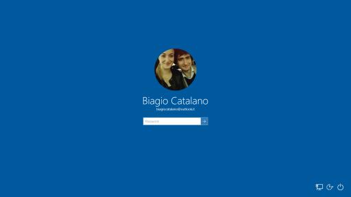 Sfondo login Windows 10 10547