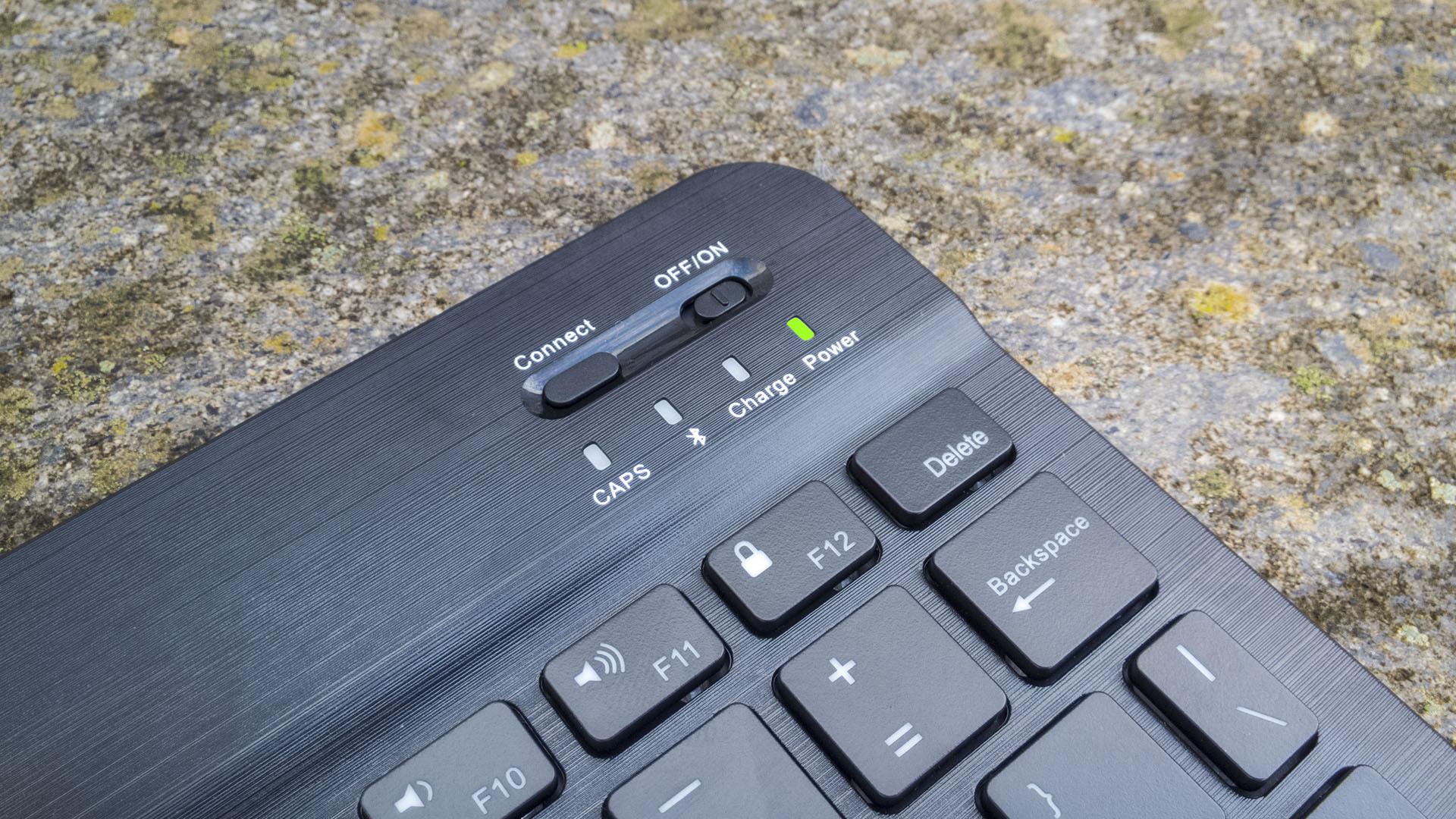 Tastiera Bluetooth iClever per Windows, iOS, Android (4)