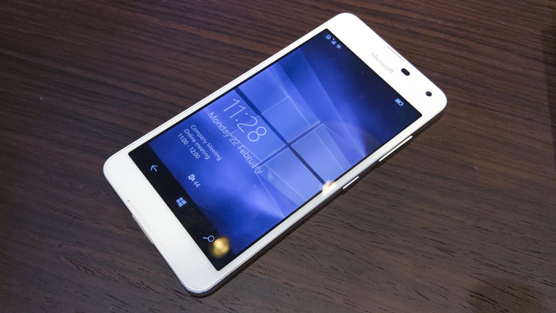 Lumia 650 MWC 2016 (2)