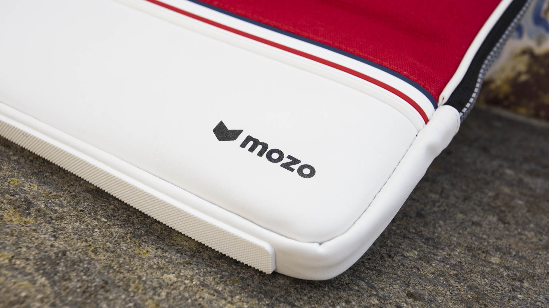 sneaker-mozo-surface-5