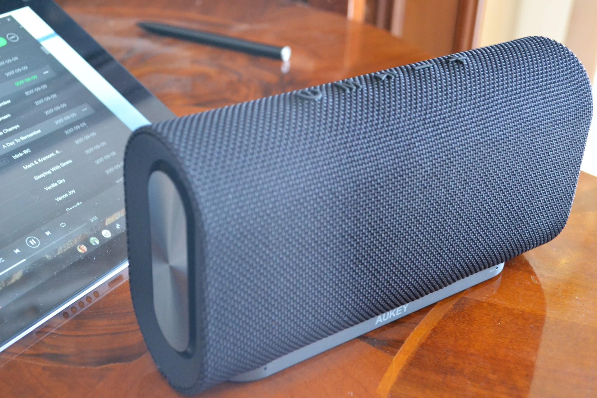 Aukey Eclipse speaker altoparlante cassa bluetooth hero