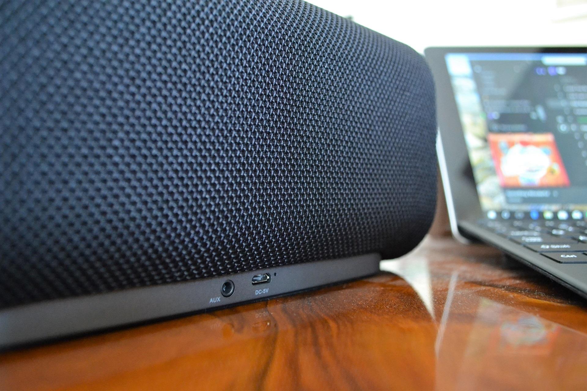 Aukey Eclipse speaker altoparlante cassa bluetooth porte connettivita
