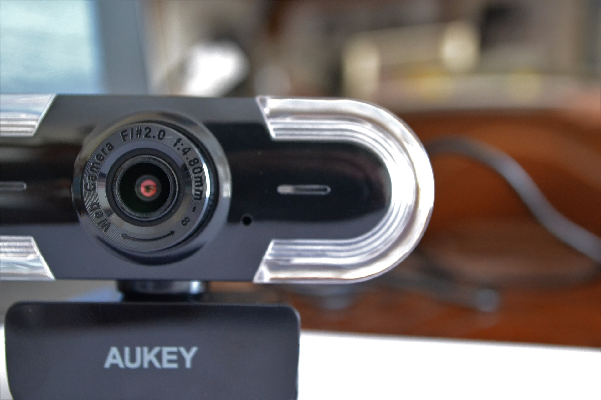 Webcam 2K Aukey design sensore