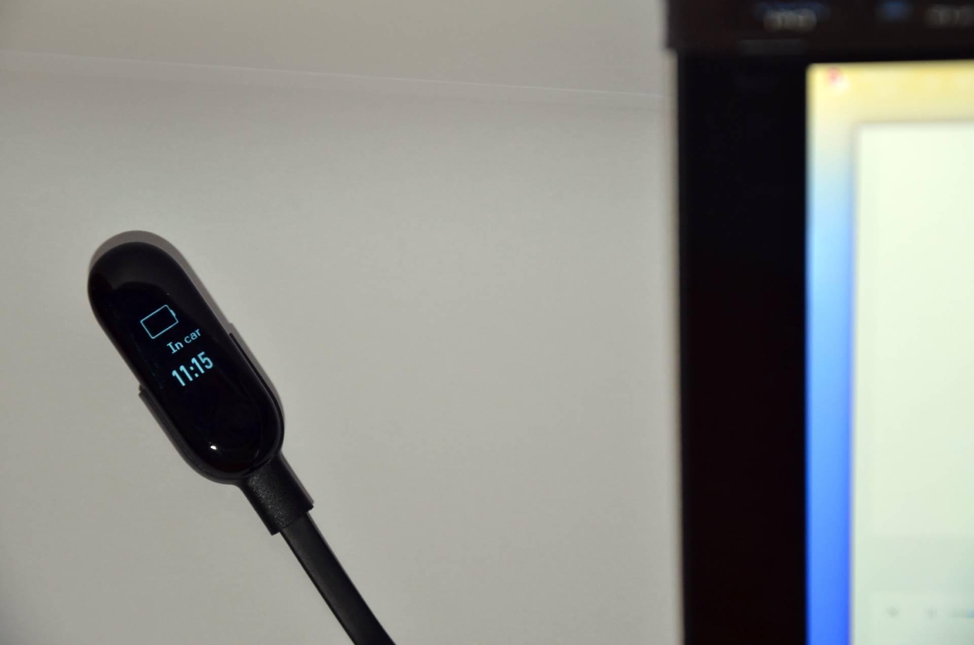 Xiaomi Mi Band 3 carica batteria