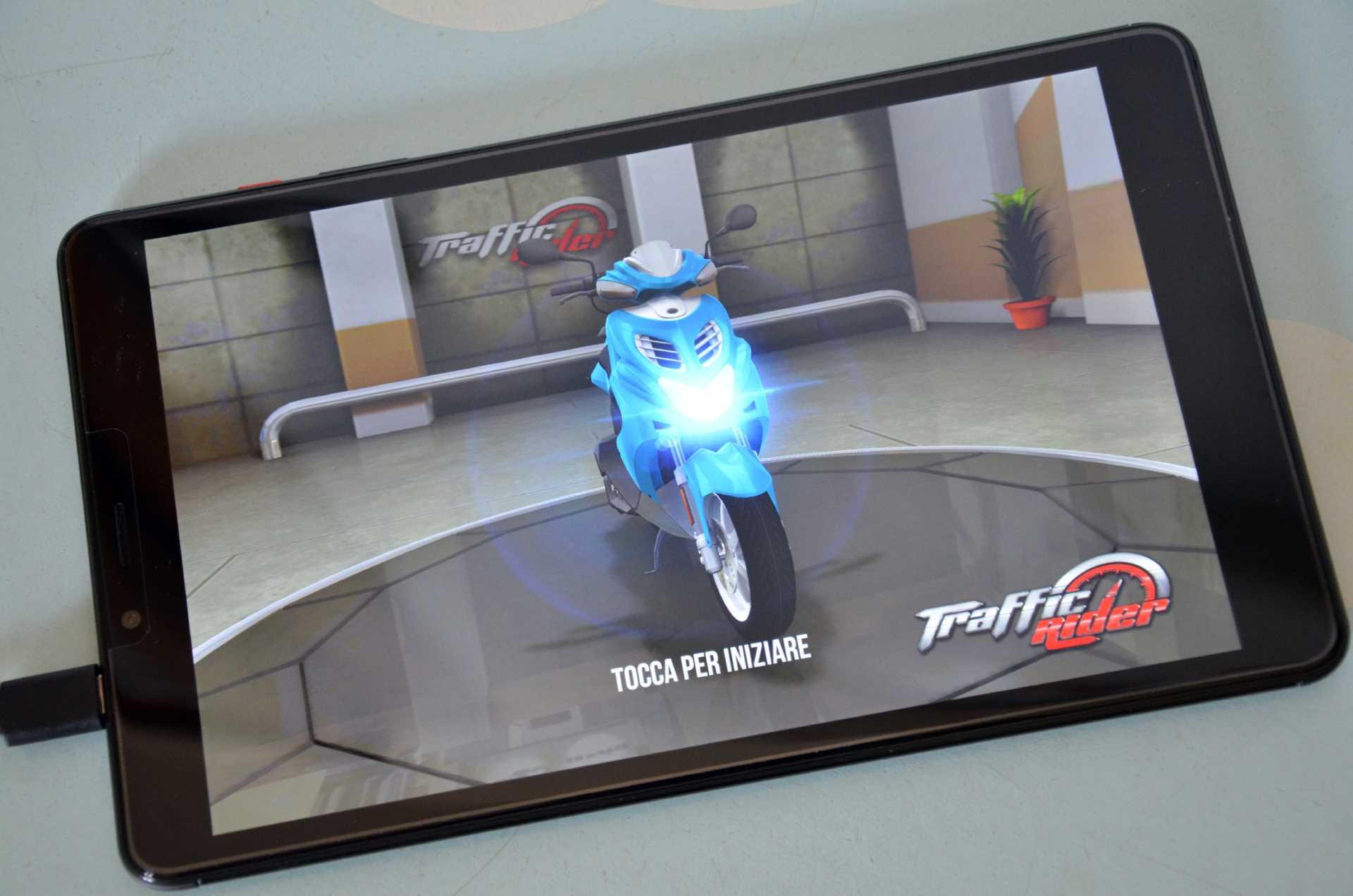 Chuwi Hi9 Pro gaming giochi Traffic Rider
