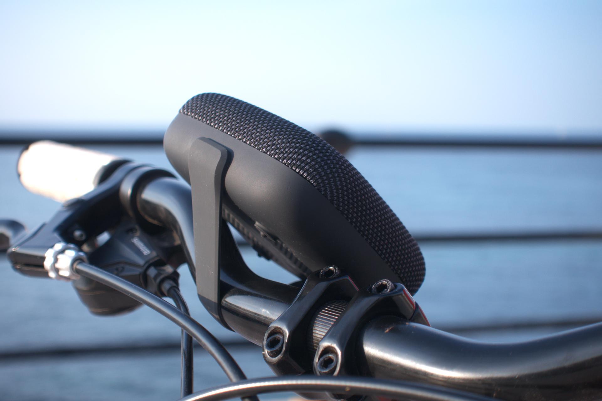 Tribit StormBox Micro su una bicicletta