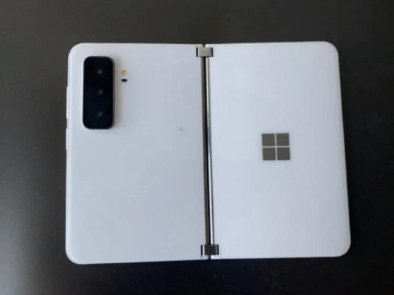 [video] Trapelate le prime immagini reali di Surface Duo 2