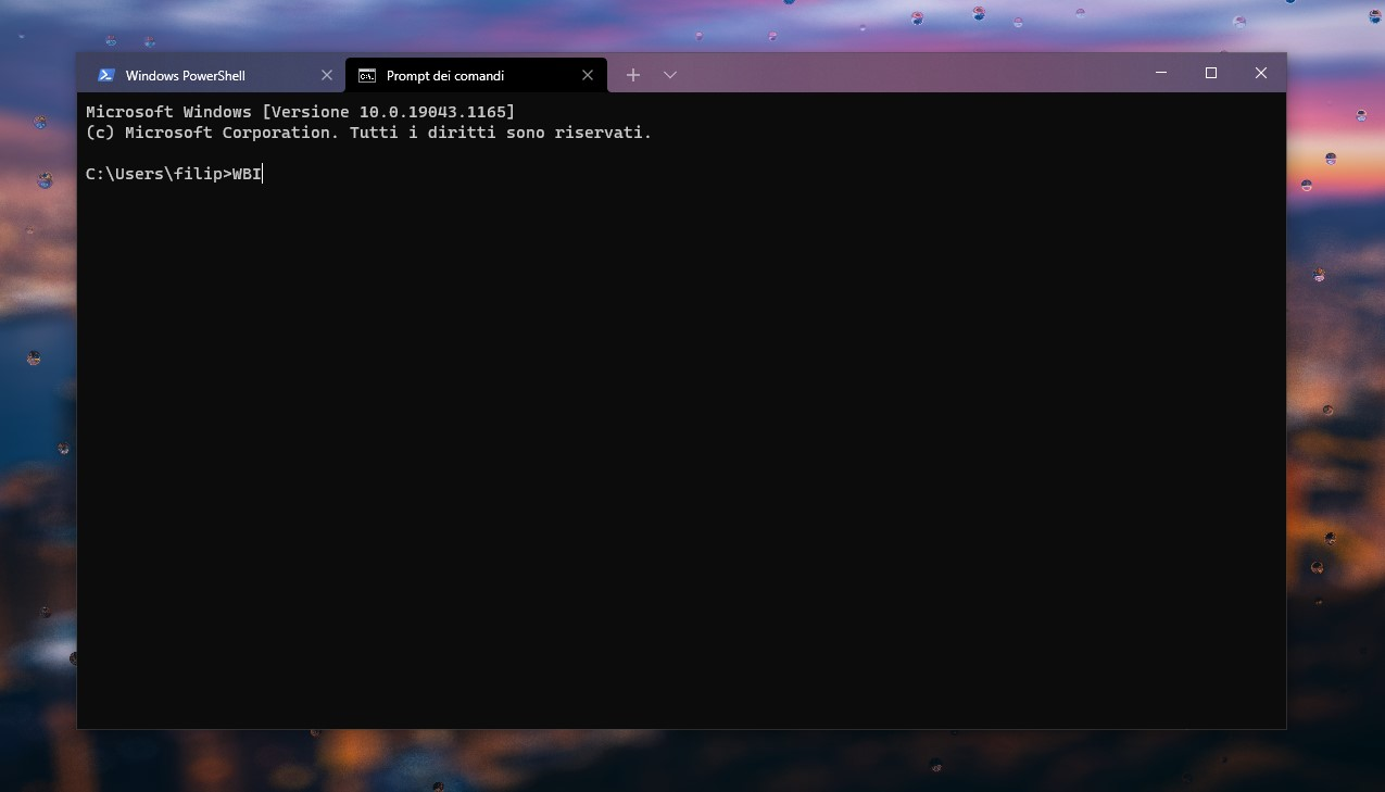 Windows Terminal Preview - Barra del titolo con effetto acrilico