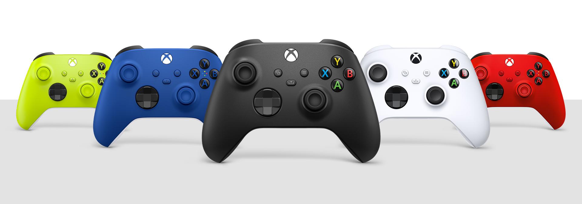 Xbox Wireless Controller in diverse colorazioni
