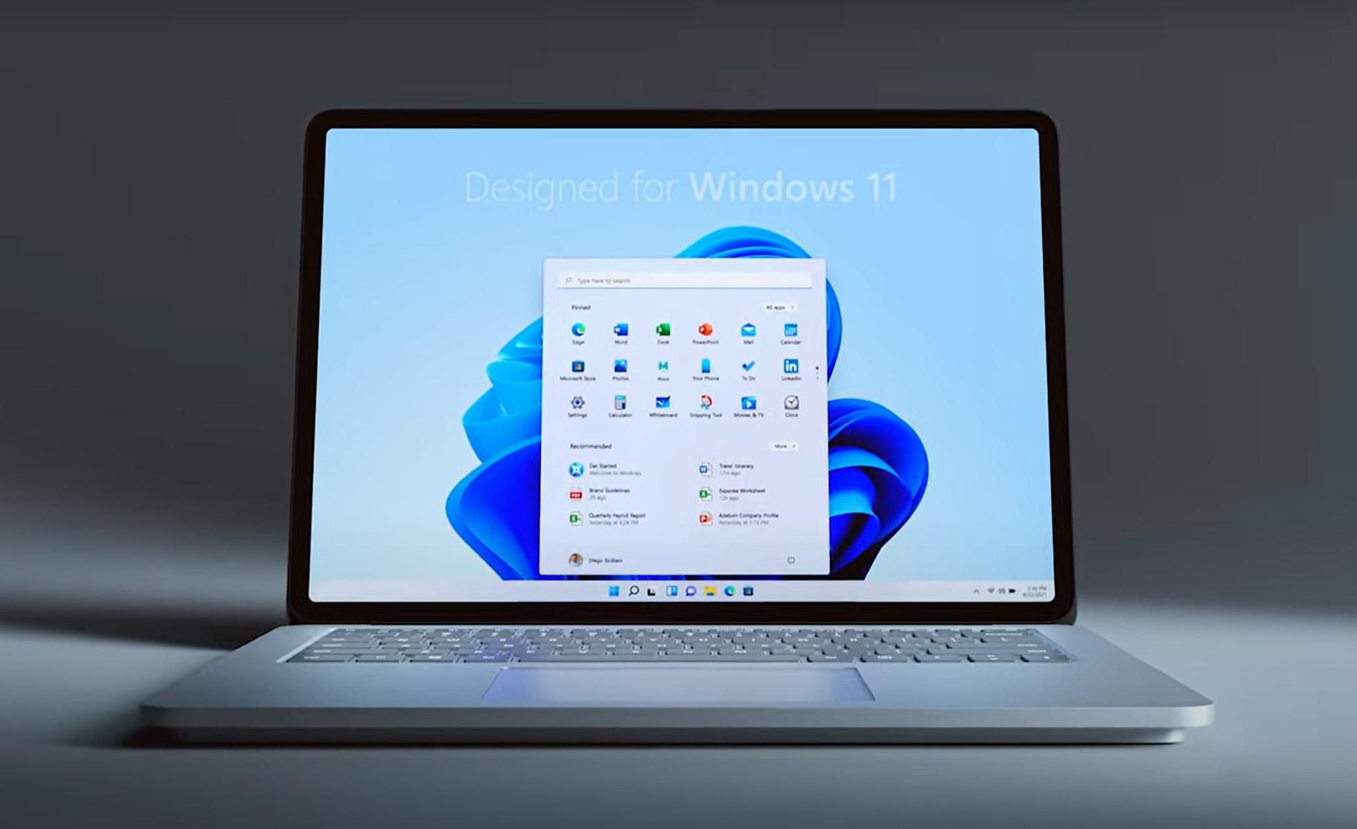 studio-laptop-windows.11